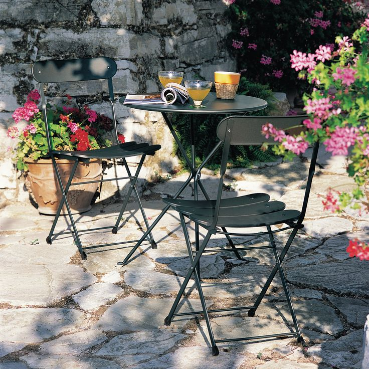 Les 25 meilleures id es de la cat gorie table ronde jardin for Table de jardin terrasse