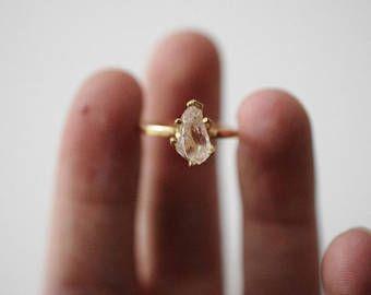 Tamaño 6,5 14 k anillo de oro diamantes, anillo de compromiso diamante crudo, sólido oro anillo de compromiso, anillo de diamantes en bruto, anillo de diamantes crudos, Avello