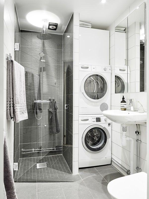 Badrum med smart tvätt/torktumlare