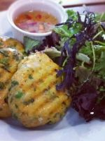 Thai Fish Cakes with Green Beans Recipe picture