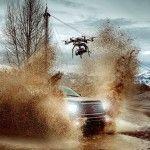 Die Phantom Flex4K: Bei voller Ausreizung schafft die Hochgeschwindigkeitskamera 4K-Aufnahmen mit 1.000 Bildern pro Sekunde - und das mit unkomprimierten Raw-Bildern bei 12 Bit Farbtiefe. Wieso das Ding nicht mal auf eine Drohne schrauben? Bei 13 kg gar nicht so einfach. Die Jungs von Brain Farm und Intuitive Aerial haben ...