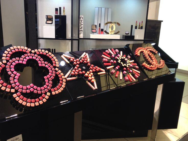 cosmetics make up display pop up funiture interior design 180 pinterest. Black Bedroom Furniture Sets. Home Design Ideas