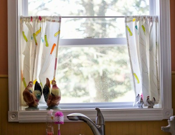 Do you know how to choose the perfect kitchen curtain? Learn from these simple tips!