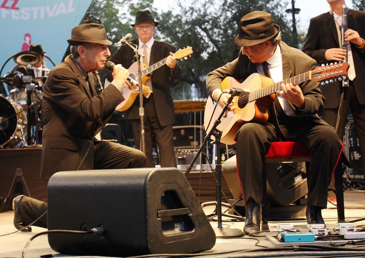 Leonard Cohen riceve il premio Principessa delle Asturie per la letteratura a Oviedo, in Spagna, 21 ottobre 2011 (Jack Abuin/ZUMAPRESS.com)