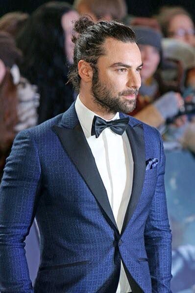 He's really rocking that #manbun. Really suits him.... as does that suit. #punny #aidanturner
