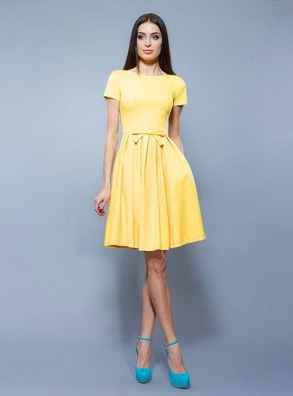 Élégante robe jaune plis robe robe de Cocktail par StylishShopDress