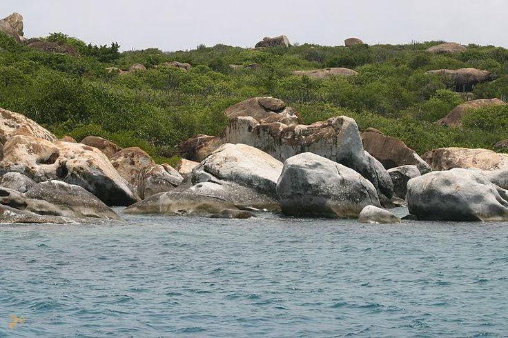 The Baths – #Британские_Виргинские_острова (#VG) Карибский остров Верджин-Горда в южной части имеет очень атмосферную береговую линию. http://ru.esosedi.org/VG/places/1000139368/the_baths/