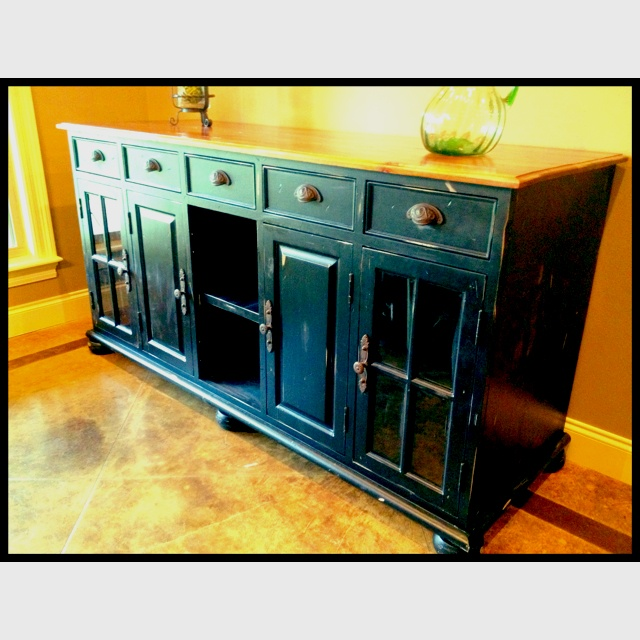 how to frame a mirror in bathroom 1000 ideas about black distressed cabinets on 26092