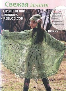 Poncho for a girl with diagram
