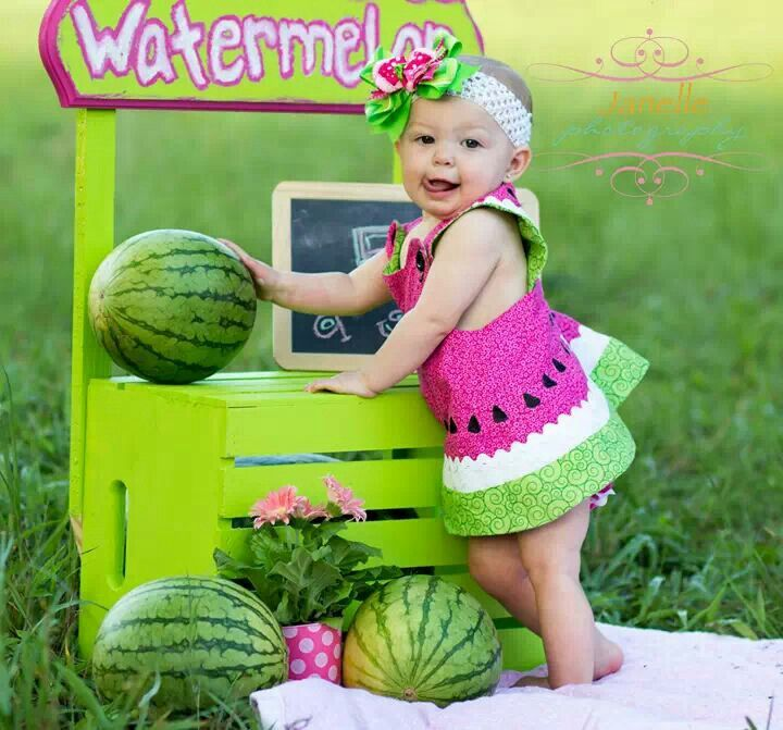Watermelon Birthday - stand is soooo cute to use as a prop! Could DIY! Love it