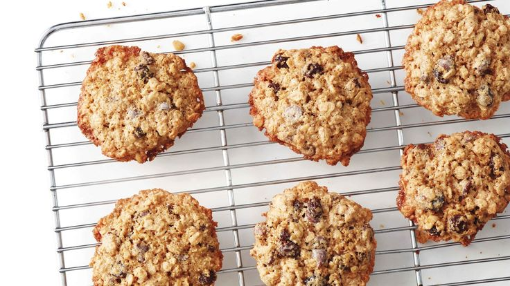 Chock-full of chocolate and raisins, these oatmeal cookies won't disappoint. And by using oats in place of wheat flour, everyone can get in on the fun.