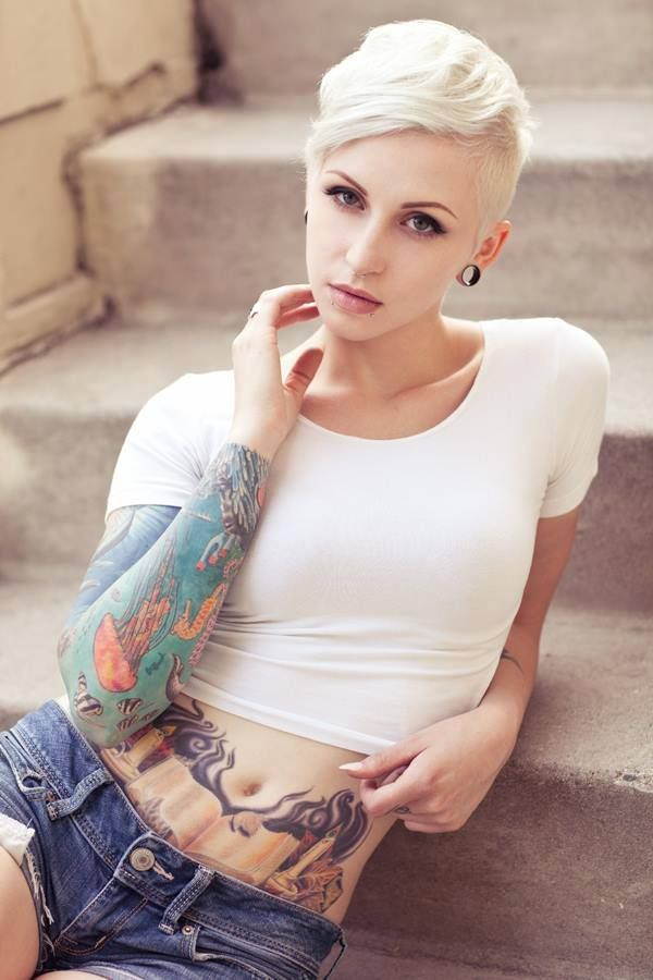 Short haired blonde pornstar