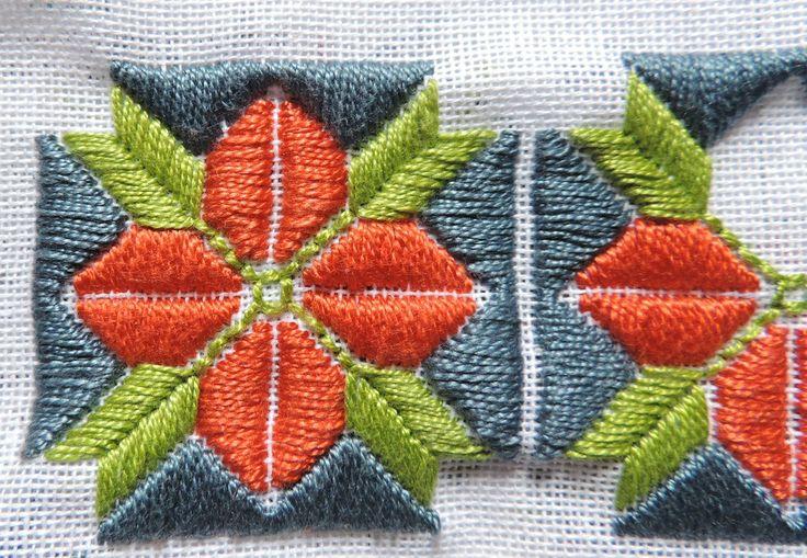Lindo bordado em ponto reto. Quem tiver interesse em fazer este bordado o gráfico se encontra em meu blog e só acessar: http://florarte22.blogspot.com.br/