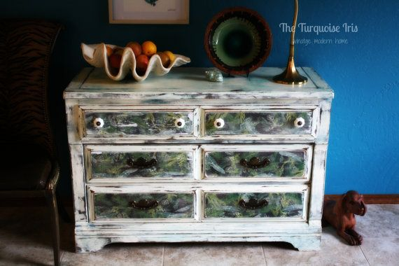 Old White 6 Drawer Dresser