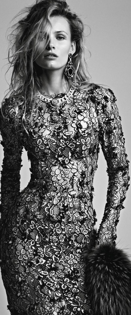 Edita Vilkeviciute by Patrick Demarchelier for Vogue Spain, January 2013 Wow, this dress is amazing!
