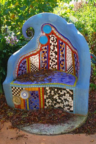 Aside from the brilliant mosaic work, does anyone have an idea of how the shape of this was formed (blue area) Mosaic Garden Bench  #mosaic