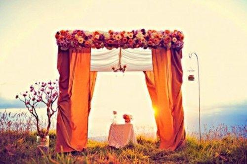 20 Amazing Non-Traditional Altars For An Outdoor Wedding | Weddingomania