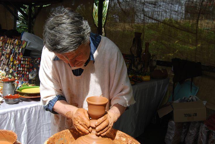 Cabrera: festa romana (2011), alfarero.