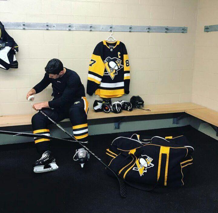 Sid shooting for CCM Hockey