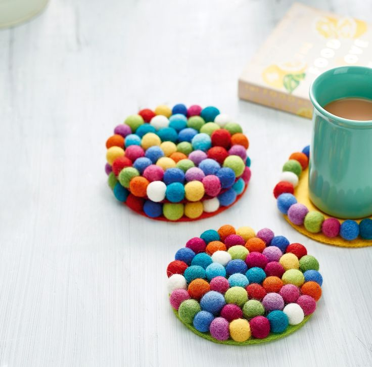 Pompom coasters // Homemaker Issue 44 // Image: cliqq.co.uk