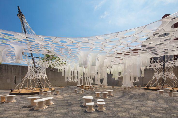 Lumen, Pabellón Temporal YAP 2017, Galería MoMA PS1, Nueva York, NY - Jenny Sabin Studio - foto: Pablo Enriquez