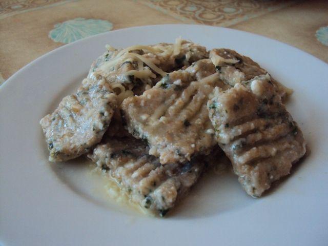 Tvarohovo špenátove gnocchi ( zo spaldovej múky) recept: http://www.mimibazar.sk/recept.php?id=31502