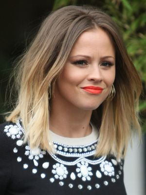 hair dipping styles kimberley walsh mid length ombre dip dye hair 3077