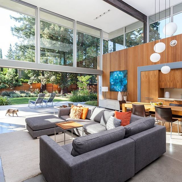 This original #Eichler home in Menlo Park, #California got a modern day upgrade to heighten its inherent qualities. Strategically expanded, the new great room opens up completely to the patio with multi-panel pocket sliding glass doors that are 22 feet long. Featured by @dwellmagazine #midcenturymodern #realestate #transformation #eppersonestates  #donna #realtor #consultant #realtorlife  #firstteamrealestate #localrealtors - posted by Donna Epperson https://www.instagram.com/donnaepperson1…