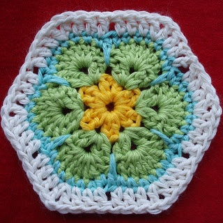 Mooie afrikaanse bloem met patroon: To The, Crochet African Flower, Granny Squares, Patroon Afrikaans, Crochet Patterns, Afrikaans Bloem, Flower Patterns, The Hook, Karin Aan
