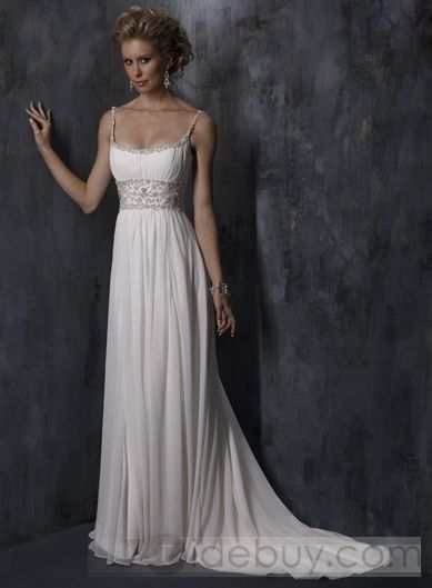 Normally hate these straps on formal dresses. This is just gorgeous.