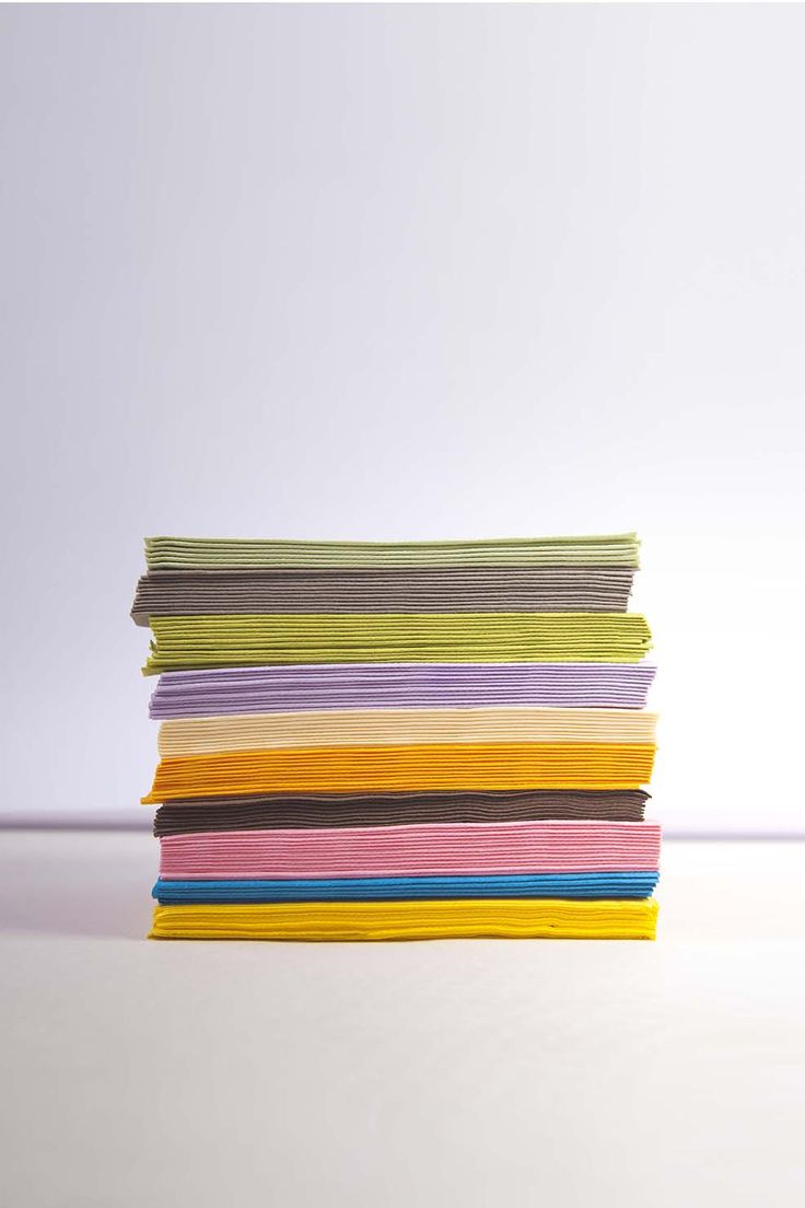 Tovaglioli Class Airlaid tinta unita. Le tonalità pastello si adattano perfettamente ad ogni stile ed ad ogni pietanza che metterai in tavola.