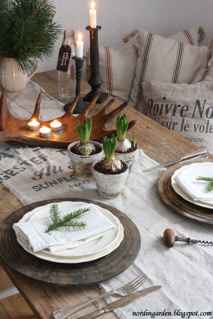 Simply Christmas: Table Settings, Ideas, Winter, Christmas Tables Sets, Rustic Tablescape, Parties, Holidays Tables, Christmas Decor, Rustic Christmas