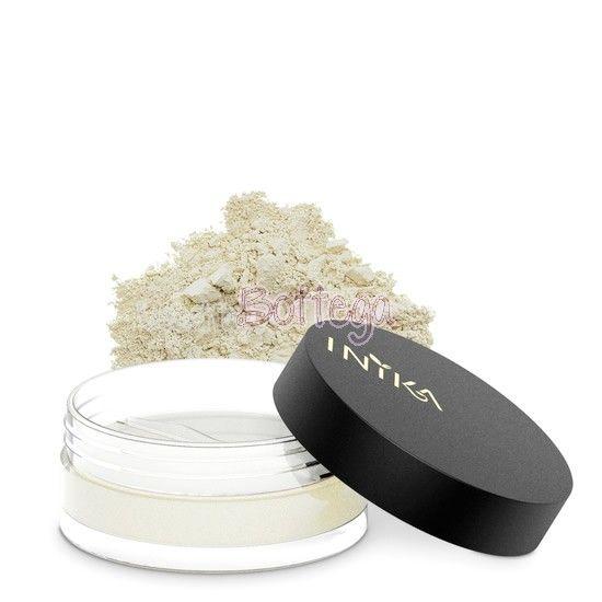 La polvere minerale opacizzante INIKA Certified Organic, è una cipria incolore, dall'effetto setoso, che crea un effetto leggero ma naturale. Ideale per la pelle grassa, in quanto opacizza, può essere utilizzata sola o come finish (dopo fondotinta o BB Cream).   Un prodotto multifunzionale assorbe l'oleosità in eccesso ed aiuta a minimizzare i pori, gli arrossamenti e le linee sottile. Applicata dopo il makeup, ne garantisce una lunga tenuta