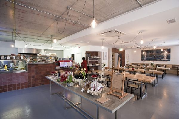 .studio space: Memorial Cakes, Coffee Cakes, Café Cabint, Cabinte On, Studios Spaces, Coffee For, Cool Ideas, Cafe K-Cup, Big Spaces