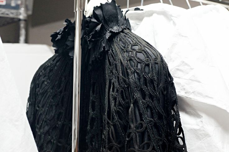 MoMu NOW. This exhibition shows 100 silhouettes and fashion accessories from the recent acquisitions by the Antwerp Modemuseum. The pieces on display are really amazing!