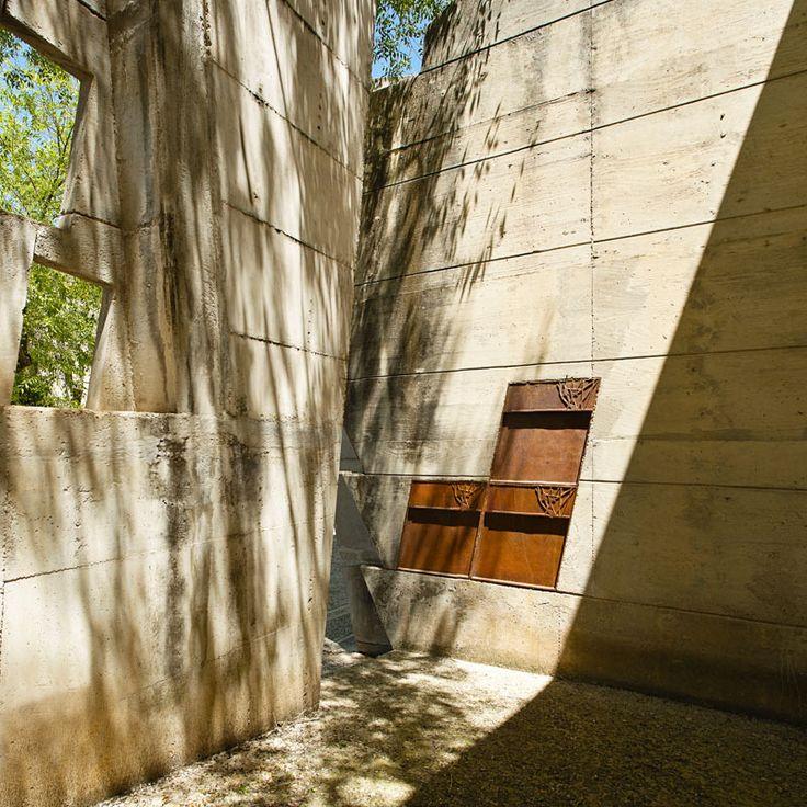 Igualada Cemetery / Enric Miralles + Carme Pinos