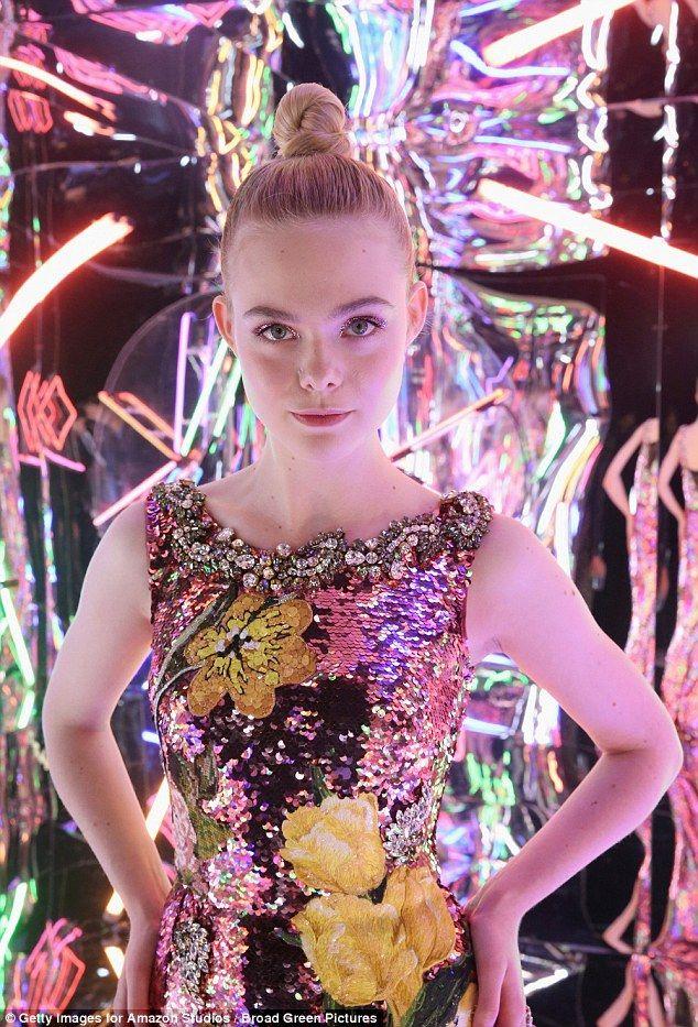 Elle Fanning outshines sister Dakota as she wears sequin gown to Neon Demon LA premiere | Daily Mail Online