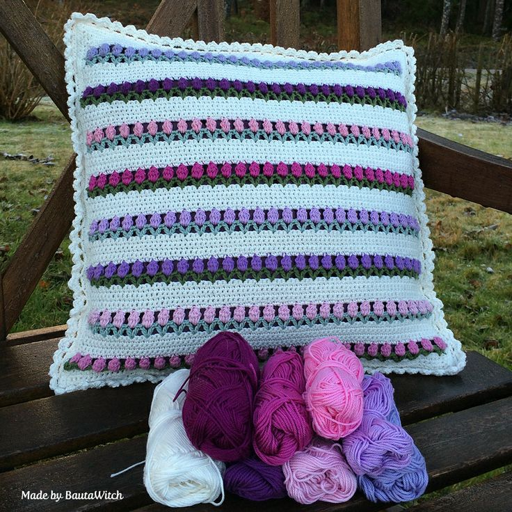 Tulips in snow - pillow/cushion Made by BautaWitch Free pattern! Welcome! \u003c & 183 best Crochet cushions and pillows (free patterns) images on ... pillowsntoast.com