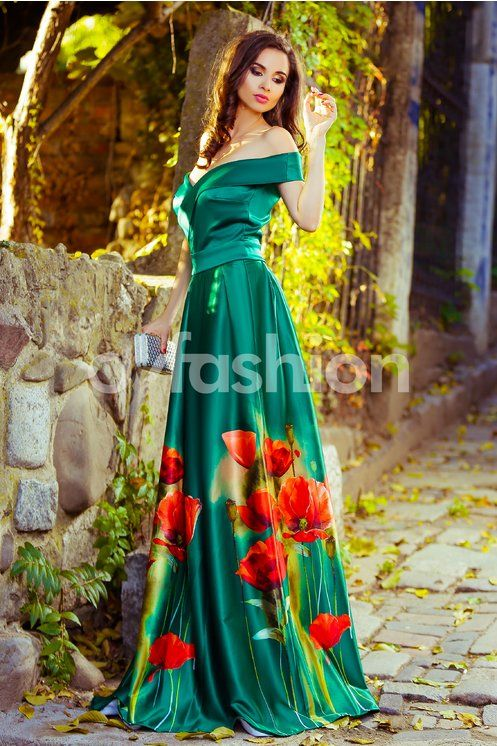 Alege rochia verde Mirific de seara cu imprimeuri pentru o tinuta exceptionala la orice petrecere! Rochia este lunga, din textura de tafta, creand o trena delicata. Decolteul in forma de V cu desig…