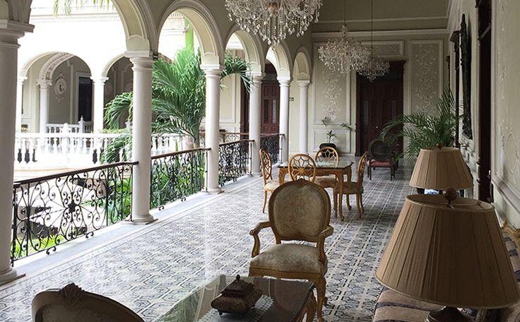 Vista de los pasillos del Hotel Mansión Mérida on the Park.
