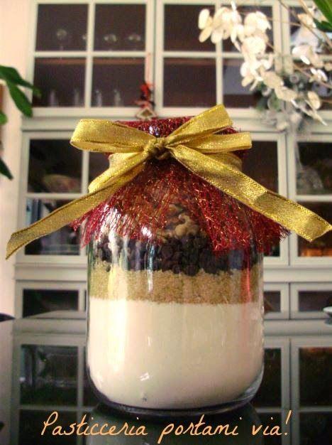 Pasticceria portami via!: Un barattolo in regalo: biscotti alle noci e cioccolato
