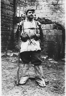French soldier dressed in furs for the winter during World War I - pin by Paolo Marzioli
