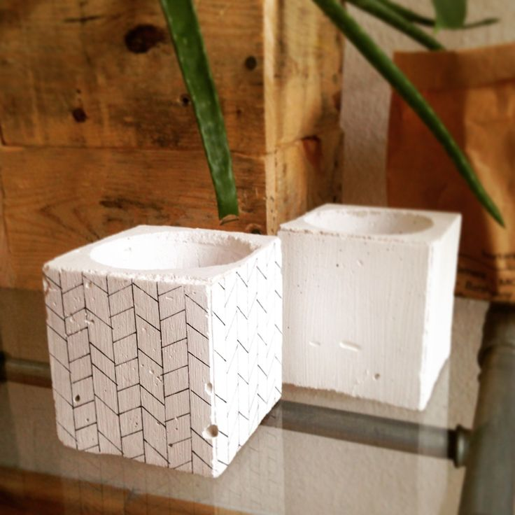 Just created a pattern for the white concrete planter (7.5 cm x 7.5cm x 7.5cm)  Yay :))