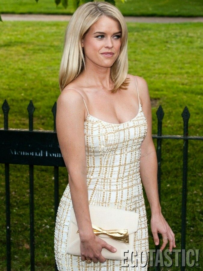 Yes Alice Eve Is All That Tank Top Fashion Women