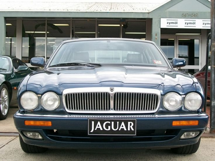 1996 Jaguar X300 XJ6 Saloon 3.2 - The Purr-fect Gift Shop