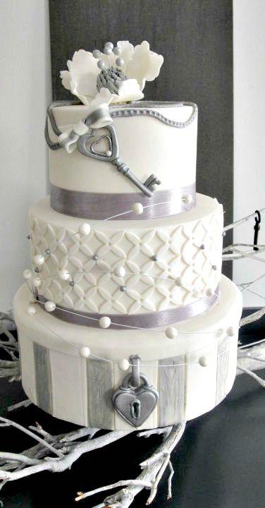 Love, Locks and Key Wedding Cake