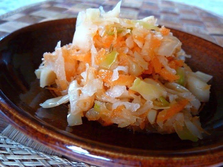 Kvašená zelenina - pickles  Pickles - kvašená zelenina má tisíciletou tradici.   Podporuje trávení, udržuje zdravou střevní mikroflóru, posiluje imunitu, působí preven...