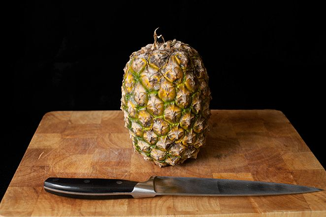 How to select and prepare a pineapple