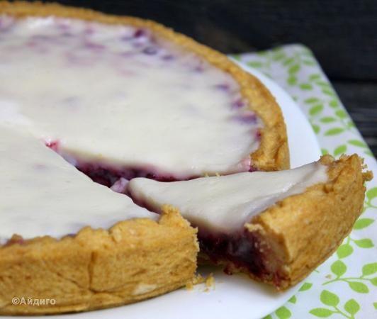 Пирог с брусникой и сметанным кремом из каталога Сладкая выпечка