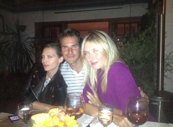 Maria Sharapova a luat masa cu Tommy Haas si sotia lui, Sarah Foster